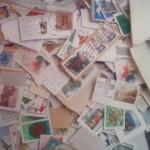 「最近は良い切手は売ってないよ。この中から選んで。」と、切手収集が趣味という、同僚の知り合いのお義父さんのコレクション。 いいんですかー?!ステキ過ぎる!慎重にチョイス。(リヒテンシュタイン)
